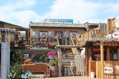 Lodowy patio w Calgary Alberta Wystawia Mnogich znaki Zdjęcie Royalty Free