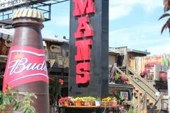 Lodowy patio w Calgary Alberta Wystawia Mnogich znaki Obrazy Stock