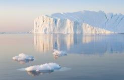Lody i góry lodowa biegunowi regiony ziemia Zdjęcia Stock
