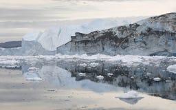 Lody i góry lodowa biegunowi regiony ziemia Zdjęcie Royalty Free