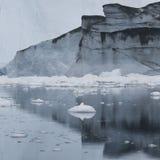 Lody i góry lodowa biegunowi regiony ziemia Zdjęcia Royalty Free