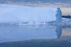 Lody i g?ry lodowe fotografia stock