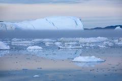 Lody i g?ry lodowe obrazy stock