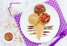 Lody naleśnikowy śmieszny pomysł dla dzieciaków śniadaniowych Fotografia Stock