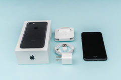 Loei,泰国2016年11月07日:新的苹果计算机iPhone 7箱中取出的n 图库摄影
