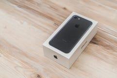Loei,泰国2016年11月07日:新的苹果计算机iPhone 7箱中取出的n 免版税库存照片