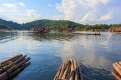Loei 11月15日在槐Krathing的浮游物木筏 图库摄影
