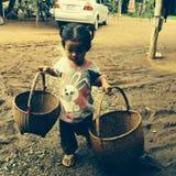 Loei, Tailandia 10 agosto 2014: lavoro dei bambini Fotografia Stock