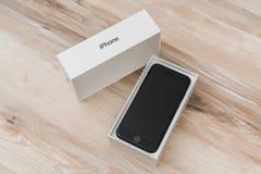 Loei Thailand November 07, 2016: Ny Apple iPhone 7 unboxing n Royaltyfri Foto