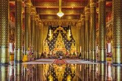 LOEI, THAILAND - 18. September: Touristenbesuch WAT NEARAMIT VIPASSANA ist ein wichtiger Ort der Verehrung, Dansai-Phi ta lizenzfreies stockfoto