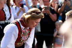 LOEN NORGE -, MAY 20 2017: Drottning Sonja av Norge på openinen Fotografering för Bildbyråer