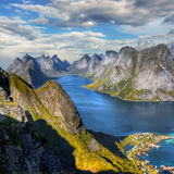 Lofoten famoso, paisaje de Noruega, Nordland Foto de archivo libre de regalías