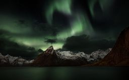 Lofoten fjord, Norge Arkivfoton