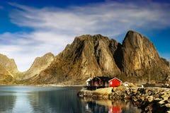 Lofoten Reine, paesaggio norvegese della linea costiera fotografia stock libera da diritti