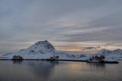 Lofoten Rode Visserijcabines, Ramberg, Noorwegen royalty-vrije stock afbeeldingen