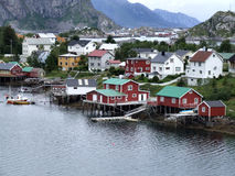 Lofoten townscape in Norwegen stockbild