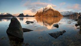 Lofotenfjord, Noorwegen Stock Afbeelding