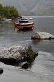 Lofotens vaggar gamla fartyg Royaltyfria Bilder