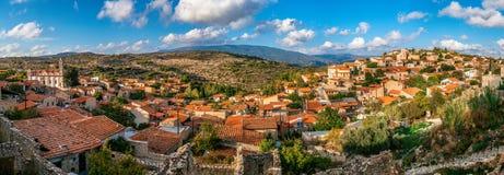 Lofou en traditionell bergCypern by Limassol område Arkivbilder