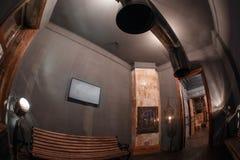 Loft el estilo que el acero preside en barra en el café y el restaurante Fotografía de archivo libre de regalías