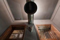 Loft el estilo que el acero preside en barra en el café y el restaurante Imagenes de archivo
