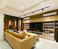 Loft el interior y la decoración vivos modernos de lujo, interio del estilo fotografía de archivo libre de regalías