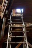 Loft med stegen fotografering för bildbyråer