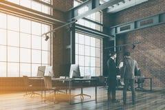 Loft o escritório do espaço aberto, sala de reunião, pessoa Imagem de Stock Royalty Free