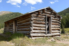 Log cabin in old mining town Royalty Free Stock Photos