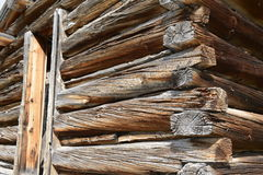 Log cabin in old mining townq Royalty Free Stock Photography