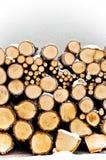 Logarithmes naturels de cheminée. L'hiver Images stock