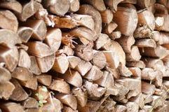 Logarithmes naturels empilés de bois de chauffage Fond de pile de bois de chauffage Image libre de droits