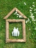 Logarithmes naturels formant la maison de famille Images stock