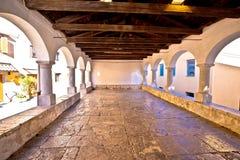 Loge en pierre traditionnelle de ville dans Kastav photographie stock libre de droits
