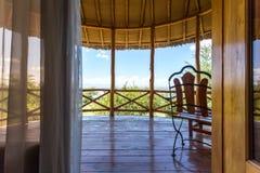 Logement africain de luxe par le lac Elementaita, Kenya Image stock