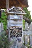 Logement de pollinisateur - Mason Bee House photographie stock libre de droits