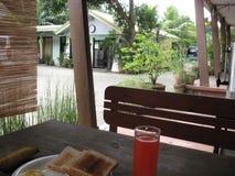 Logement de vacances de pavillon de constructeurs de foultitude, ville de Lipa, Philippines photo libre de droits