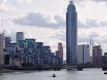 Logement moderne dans le secteur de Vauxhall de Londres Images stock