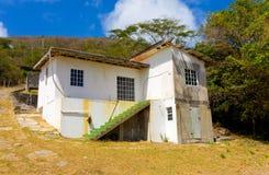 Logement rustique de bord de mer dans les Caraïbe Photos libres de droits
