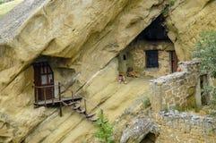 Logements de caverne, monastère de Gareji de davier photographie stock