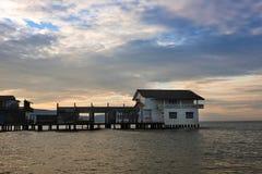 logez sur des échasses le Golfe du Siam images libres de droits
