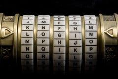 Login als wachtwoord aan de doos van het combinatieraadsel (schreeuw Stock Afbeeldingen