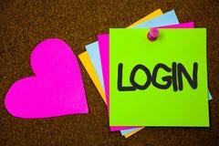 Login d'écriture des textes d'écriture L'acte de signification de concept d'entrer dans une base de données informatique ou un sy Photo libre de droits
