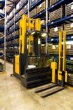 Logistica di memoria, carrello elevatore del magazzino Immagini Stock