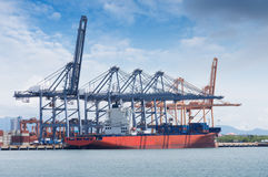 Logistique et transport de cargo international de récipient photos stock