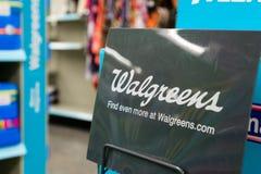 Logo 14 agosto 2018 di Sunnyvale/CA/U.S.A. - di Walgreens visualizzato dentro una delle loro posizioni nell'area di San Francisco immagini stock