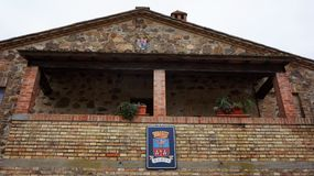 Logo Castillo Banfi na ścianie stary kasztel Fotografia Stock