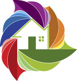 Logo coloré de maison de feuille Photo libre de droits
