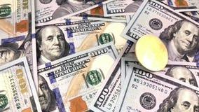 Logo de Bitcoin avec le dollar banque de vidéos