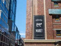 Logo de Chelsea Market près de l'entrée image libre de droits
